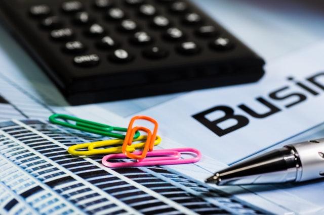 calculator-paperclip-pen-office-66862.jpeg